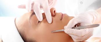 Dermaplaning Courses UK - 1 Day Dermaplaning Course | Chic Beauty